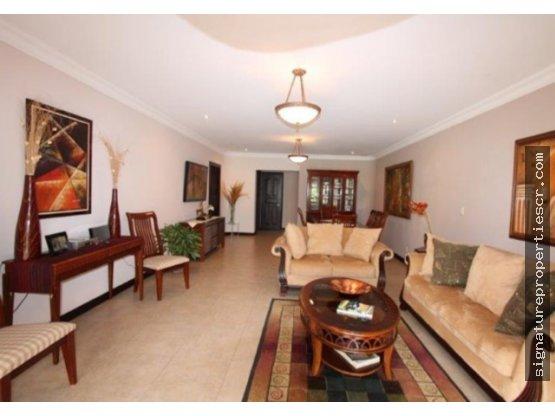 Casa en condominio de un nivel, Santa Ana, Orosol