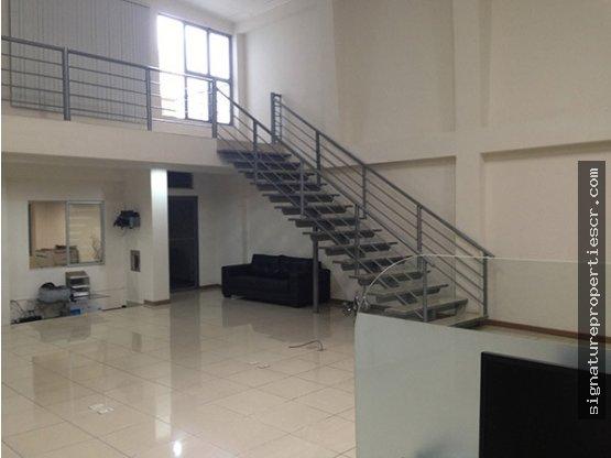 Edificio de 3 niveles para oficinas, Curridabat
