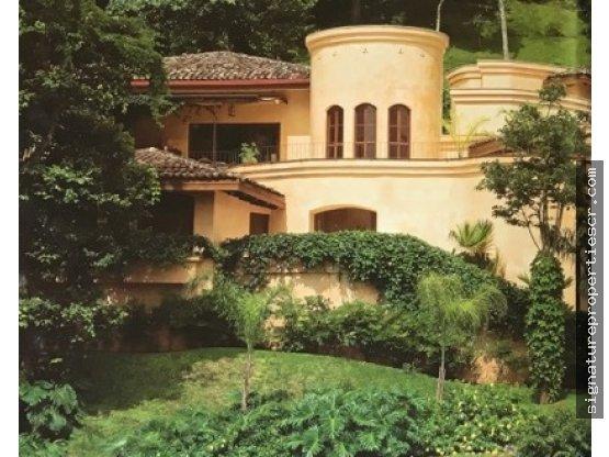 Casa de lujo de tres niveles, Villa Real