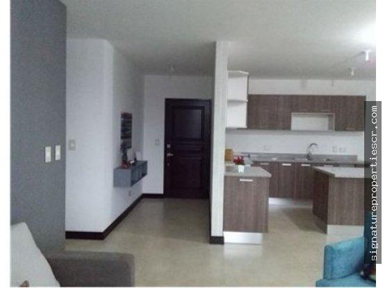 Apartamentos modernos desde $211K hasta $220K
