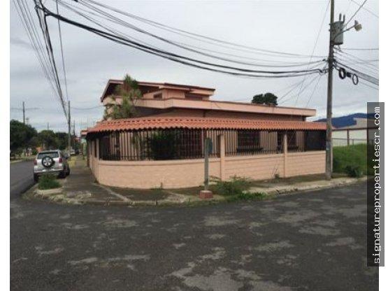 Casa esquinera de un nivel, Los Molinos Cartago
