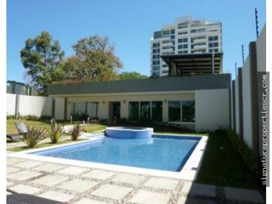Apartamento de lujo en 2do piso, La Uruca
