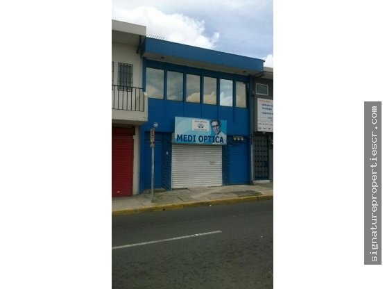 Edificio en Barrio Amón