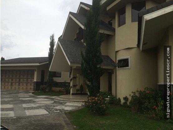 Casa en condominio Hacienda Gregal