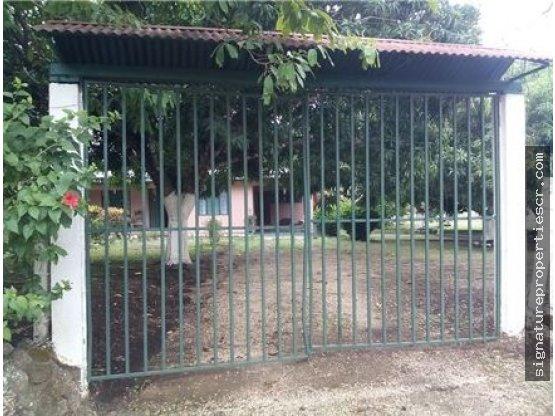 Casa campestre con amplio terreno en Guanacaste
