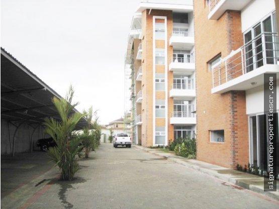 Penthouse en 5to nivel, Curridabat, Guayabos