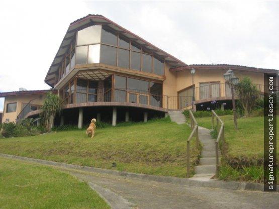 Casa de montaña con vista, Llano Grande, Tres Ríos