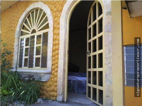 Lujosa casa en Guachipelín de Escazú