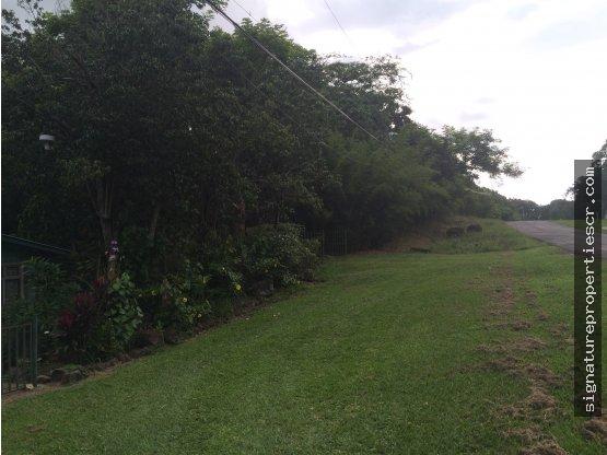 Quinta con amplio terreno en La Garita, Alajuela