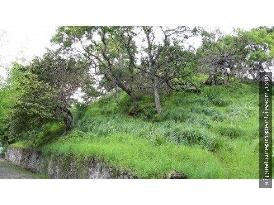 Terreno privado con permisos en Santa Ana
