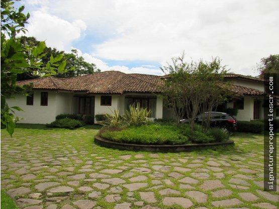 Casa de Lujo en Santa Ana Salitral