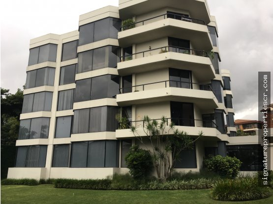 Penthouse en Los Laureles, Escazú
