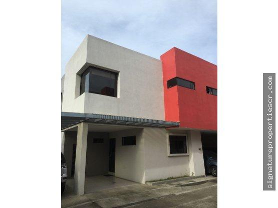 Loft de 2 dormitorios en Curridabat, Guayabos