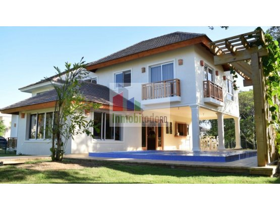 Se vende exclusiva Villa en Punta village