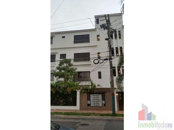 Apartamento en alquiler con linea blanca en Gazcue