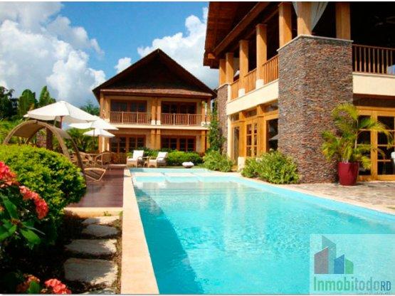 Exuberante Villa Balinesa en venta, Casa de Campo