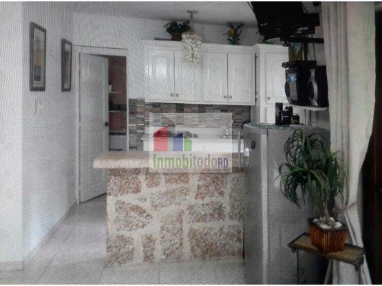 En Venta céntrico apartamento en Juan Dolio