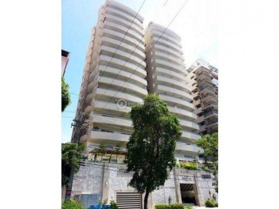 Venta / Alquiler Apartamento en torre de Lujo