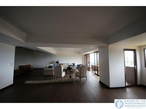CITYMAX Vende Apartamento de 400 mts. en zona 15