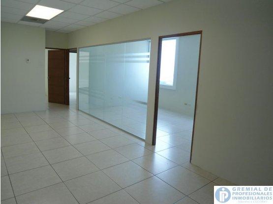 Citymax ofrece en renta Oficina en zona 10