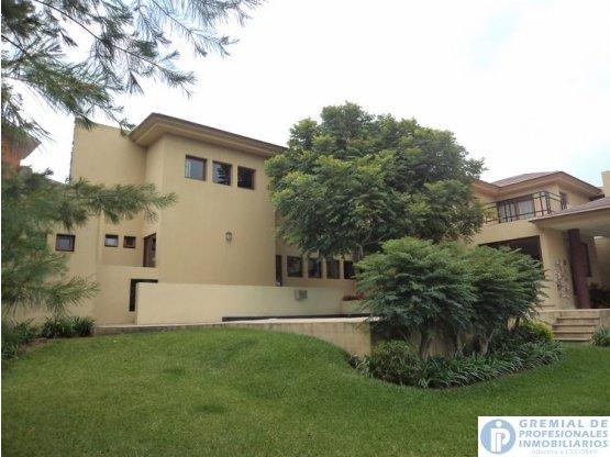 cityMax vende lujosa casa en Santa Catarina Pinula