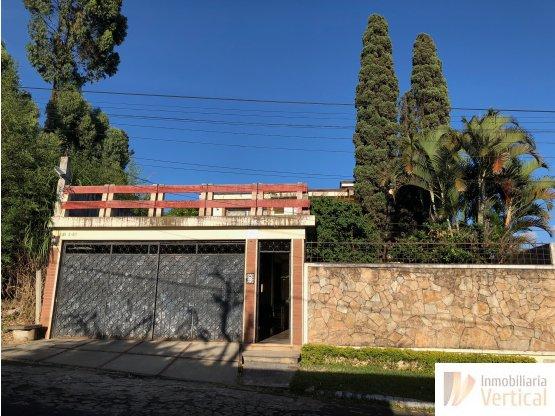 Casa en venta de 5 Habitaciones