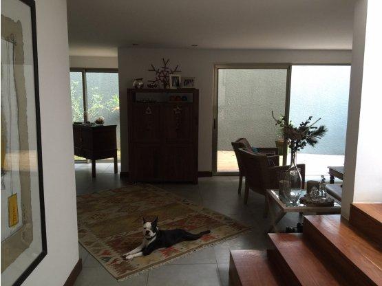 Casa dentro de condominio en venta zona 16