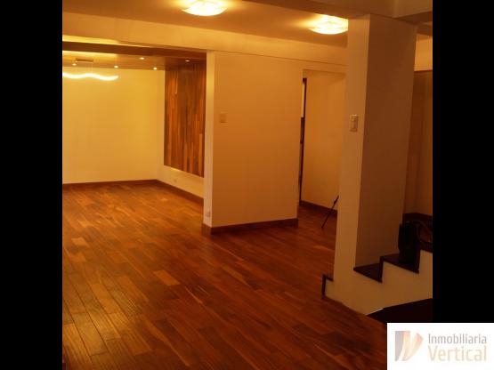 Casa remodelada en venta zona 15