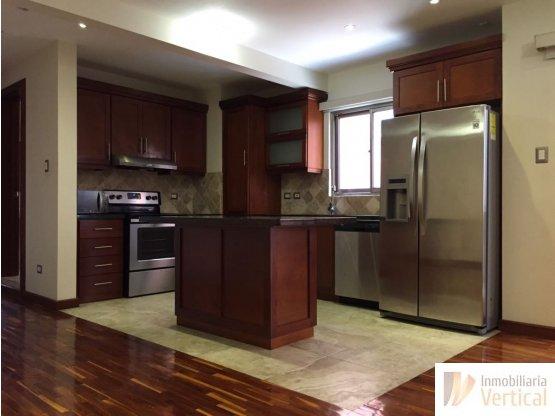 Apartamento de 2 habitaciones en renta zona 15