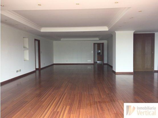 Apartamento nivel alto en renta zona 14