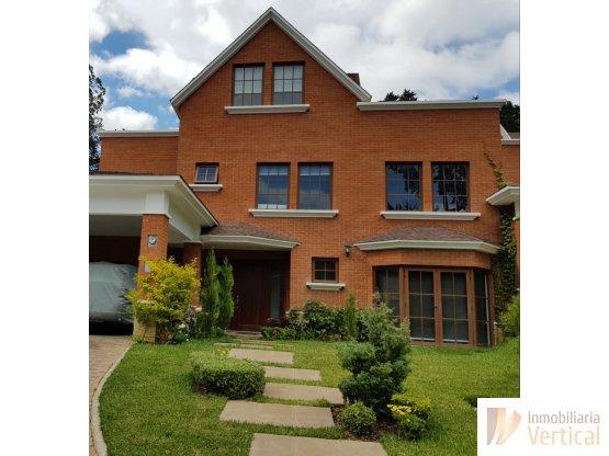 Casa 4 habitaciones con jardín en renta/venta caes