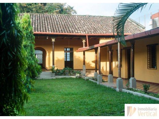 Casa colonial en venta/renta Retalhuleu