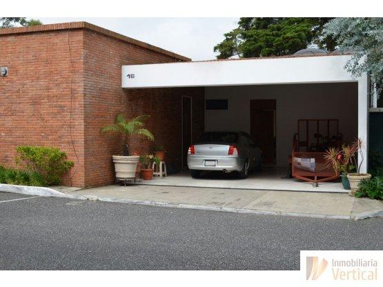 Casa en venta de 3 habitaciones Caes