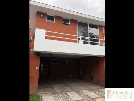 Hermosa casa en venta  zona 13