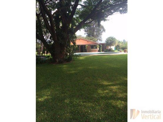 Casa Remodelada de 4 hab en venta en Amatitlan
