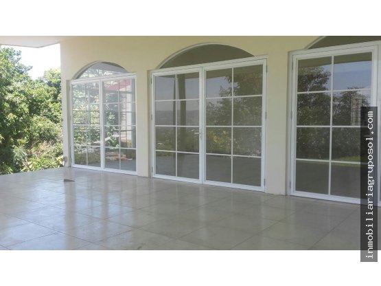 Casa en Col. Escalón en Venta o Alquiler ($2,500)