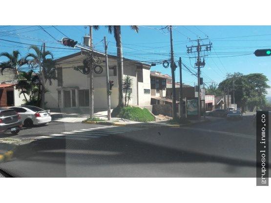 Casa amplia en calle al Mirador  en alquiler