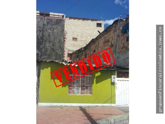 vendo casa lote cerca a la plaza del Quirigua