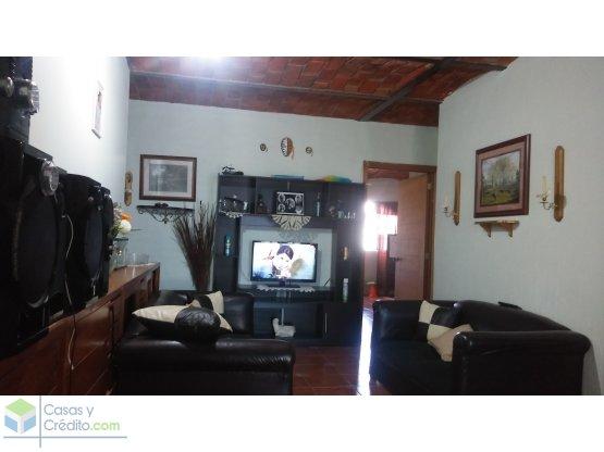 Casa amplia en Santa lucia. 7.50x20m²