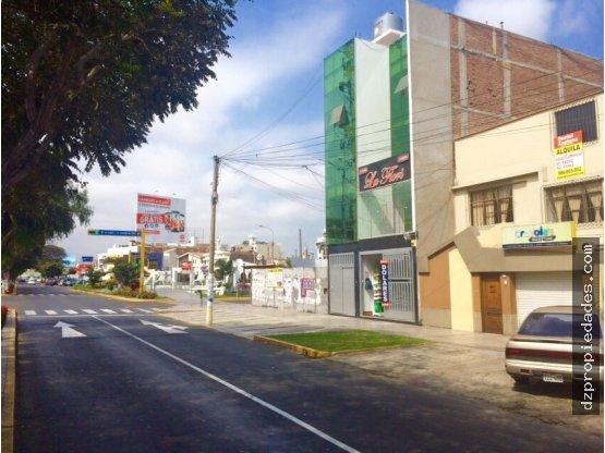 [EN ALQUILER] Local comercial en Av. Larco