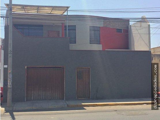 [EN VENTA] Casa/Terreno en Av. América Sur