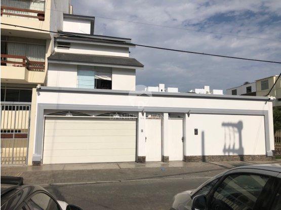 [EN ALQUILER] Casa en Urb. Las Palmas del Golf