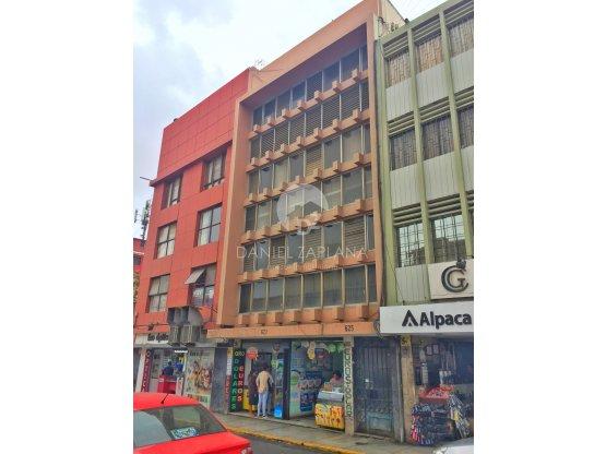 [EN VENTA] Edificio Comercial en Jr. Bolívar