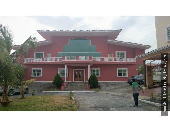 Se vende mansión en altos de Panamá