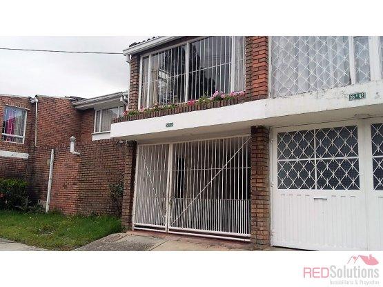 Casa en arriendo barrio Niza Córdoba