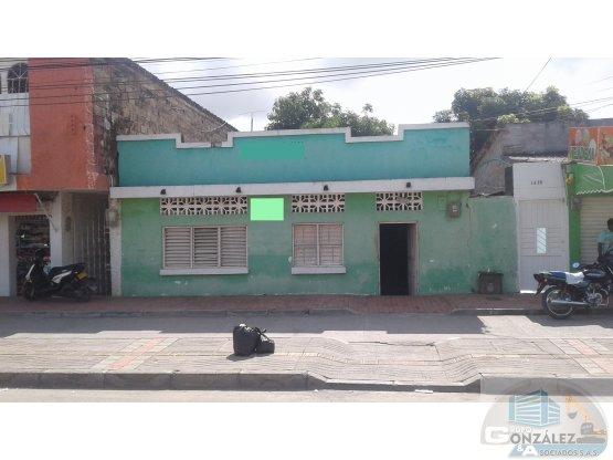 CASA-LOTE CON EXCELENTE UBICACIÓN COMERCIAL