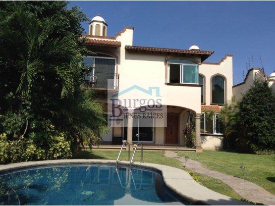 C500181 - Casa en venta en Burgos Bugambilias