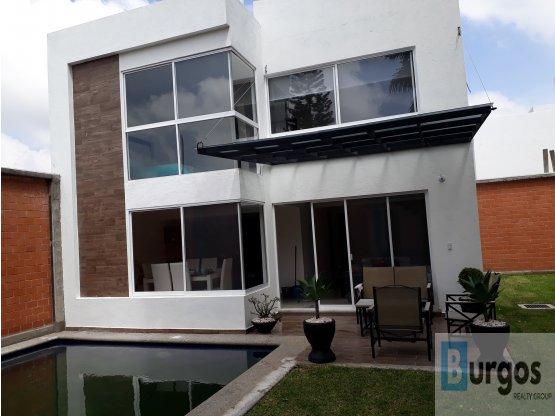 Venta de casa en Lomas Trujillo. Casa G,