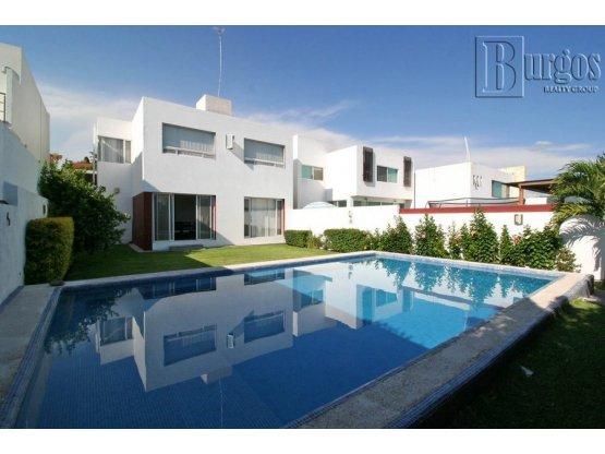Venta de casa en Corinto Residencial.
