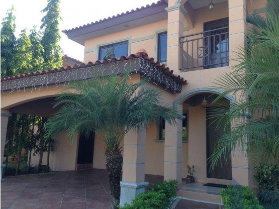 Casa en venta, VERSALLES - Costa Sur